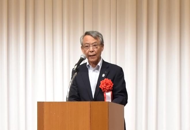 挨拶する茨城県JA中央会会長 佐野治様の写真